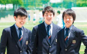 平塚学園高等学校 平成28年度入試向けパンフレット 2ページ