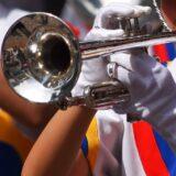 金管楽器に不織布装着、奏者マスク・ゴーグル 新日フィル